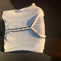 Wit shirt, zoals gemeld door Van der Valk Hotel Houten met iLost