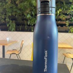Thermoflask drinkbeker, zoals gemeld door Conscious Hotel Westerpark met iLost