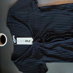 Schwarzes Damen Shirt, gemeldet von MEININGER Hotel Berlin Alexanderplatz über iLost