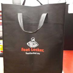 Footlocker draagtas, ha sido reportado por Arriva Limburg Zuid con iLost