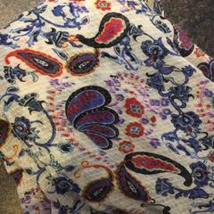 Gekleurde sjaal, as reported by Van der Valk Hotel De Gouden Leeuw using iLost