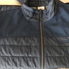 Manteau, a été signalé par Twisto utilisant iLost
