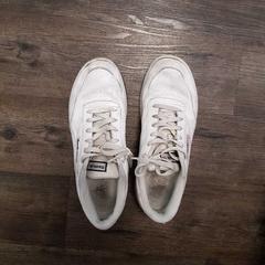 Schoenen Shoes, zoals gemeld door Inntel Hotels Amsterdam Centre met iLost