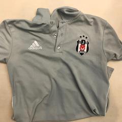 Shirt, zgłoszono przez Johan Cruijff ArenA przy użyciu iLost