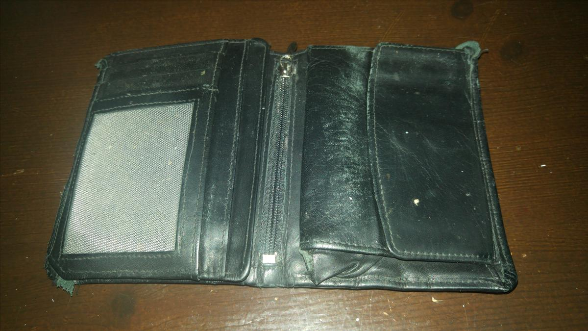 Portemonnee Billfold.Portemonnee Zwart Billfold Found By An Upstanding Citizen Ilost