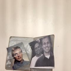 Pasfoto's in hoesje fotograaf, zoals gemeld door Alrijne Leiden met iLost