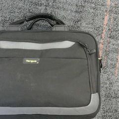 Zwarte laptoptas van het met Targus, zoals gemeld door Connexxion Amstelland-Meerlanden Schiphol Noord met iLost