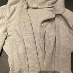 Grijze trui, gemeldet von Van der Valk Hotel Breukelen über iLost