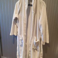 Badjas, zoals gemeld door Van der Valk Hotel Apeldoorn - De Cantharel met iLost