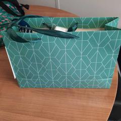 Cadeautas, ha sido reportado por Connexxion Haarlem AML con iLost
