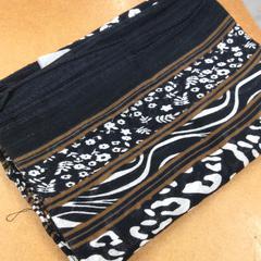 Sjaal zwart wit bruin, zoals gemeld door IKEA Zwolle met iLost