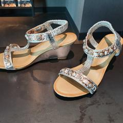 schoenen, as reported by Van der Valk Hotel Veenendaal using iLost
