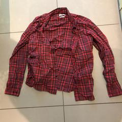 Chemise à carreaux rouge Jack ans Jones taille L, as reported by MEININGER Hotel Lyon Centre Berthelot using iLost