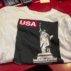 USA Shirt, som rapportert av MEININGER Hotel Berlin Alexanderplatz ved bruk av iLost