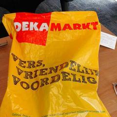 Geel dekamarkt tasje., ha sido reportado por Connexxion Haarlem AML con iLost