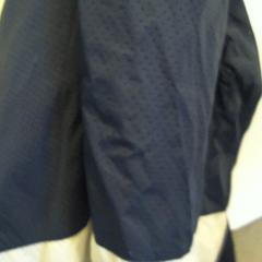 Blauwe jas, zoals gemeld door Walibi Holland met iLost