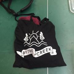 By the Creek 2016 tote bag, zoals gemeld door STRAF_WERK  met iLost