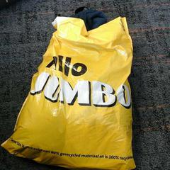 Plastic tas met kleding, zoals gemeld door Connexxion Amstelland-Meerlanden Amstelveen met iLost