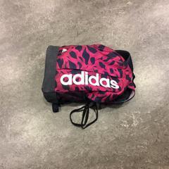 Rugtas, zwart met roze, zoals gemeld door Gemeente Amsterdam met iLost