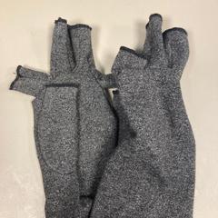 Handschoen, as reported by Pathé Schiedam using iLost