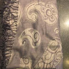 Grijze sjaal, as reported by Van der Valk Hotel De Gouden Leeuw using iLost