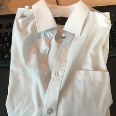 White shirt, as reported by Mainport using iLost