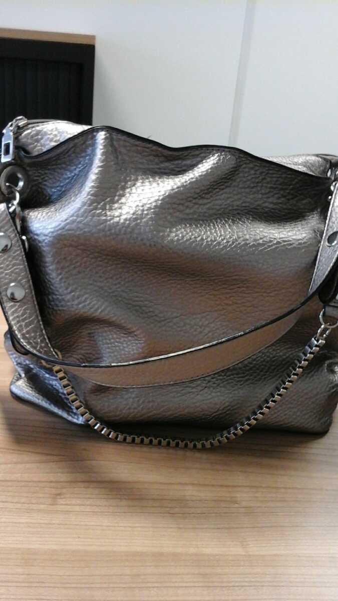 fcc2e4d0757 Grijs bruine meisjes tas met schoolboeken zoe, zoals gemeld door Connexxion  Amstelland-Meerlanden Uithoorn