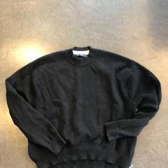 Zwarte trui - merk ZARA, zoals gemeld door Awakenings ADE – Warehouse Elementenstraat 2019 met iLost