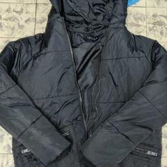 Zwarte winterjas, zoals gemeld door De Heeren van Aemstel met iLost