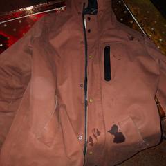 Bordeauxrode jas, zoals gemeld door De Heeren van Aemstel met iLost