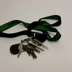 Sleutelbos met groen draaglint, zoals gemeld door RET met iLost
