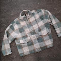 Trui vest jas, gisa salatu by Qbuzz Servicepunt Groningen iLost erabiliz
