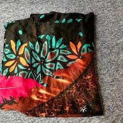 sjaal, zoals gemeld door EBS OV Den Haag met iLost