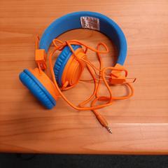 hoofdtelefoon blauw/oranje, zoals gemeld door Connexxion Overijssel / Flevoland-IJsselmond met iLost