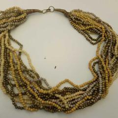Halsband van kraaltjes, zoals gemeld door Mauritshuis Den Haag met iLost