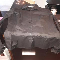 Zwarte blouse, as reported by Van der Valk Hotel Veenendaal using iLost