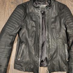 zwarte leren jas, as reported by Van der Valk Hotel Veenendaal using iLost