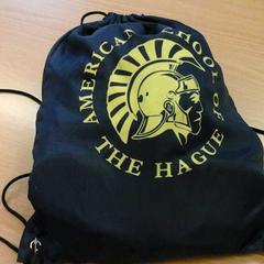 Tasje can American school, as reported by Connexxion Haaglanden Den Haag using iLost