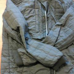 Legergroene jas nylon heren, zoals gemeld door Connexxion Zeeland met iLost