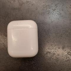 DOOSJE Airpods, as reported by Rotterdam The Hague Airport using iLost