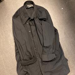 Zwart overhemd, zoals gemeld door Grand Hotel Amrath Kurhaus met iLost