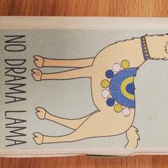 """Nokia Smartphone with """"No Drama Lama"""" case, zoals gemeld door Meininger Berlin Tiergarten met iLost"""