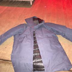 Donkerblauwe jas, zoals gemeld door De Heeren van Aemstel met iLost
