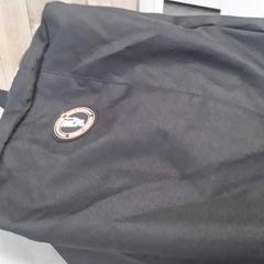 Tas zwart, a été signalé par Arriva Friesland / Groningen utilisant iLost
