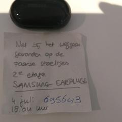 Samsung Earplugs in zwart doosje, zoals gemeld door Bibliotheek Utrecht met iLost