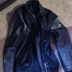 Zwart leren jas, zoals gemeld door De Heeren van Aemstel met iLost