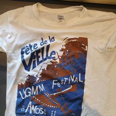 """Tee shirt """"festival de la vieille"""", as reported by MEININGER Hotel Lyon Centre Berthelot using iLost"""
