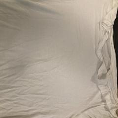 Wit shirt, zoals gemeld door Van der Valk Hotel Heerlen met iLost