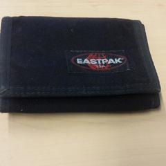 Eastpak Portemonnee, zoals gemeld door RET met iLost