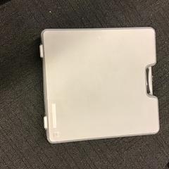 Koffer met tv/video ontvanger, zoals gemeld door Gemeente Nijmegen met iLost